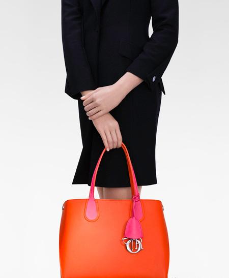 迪奥Dior Addict新款手袋全面上市 简约都市 优雅迷人